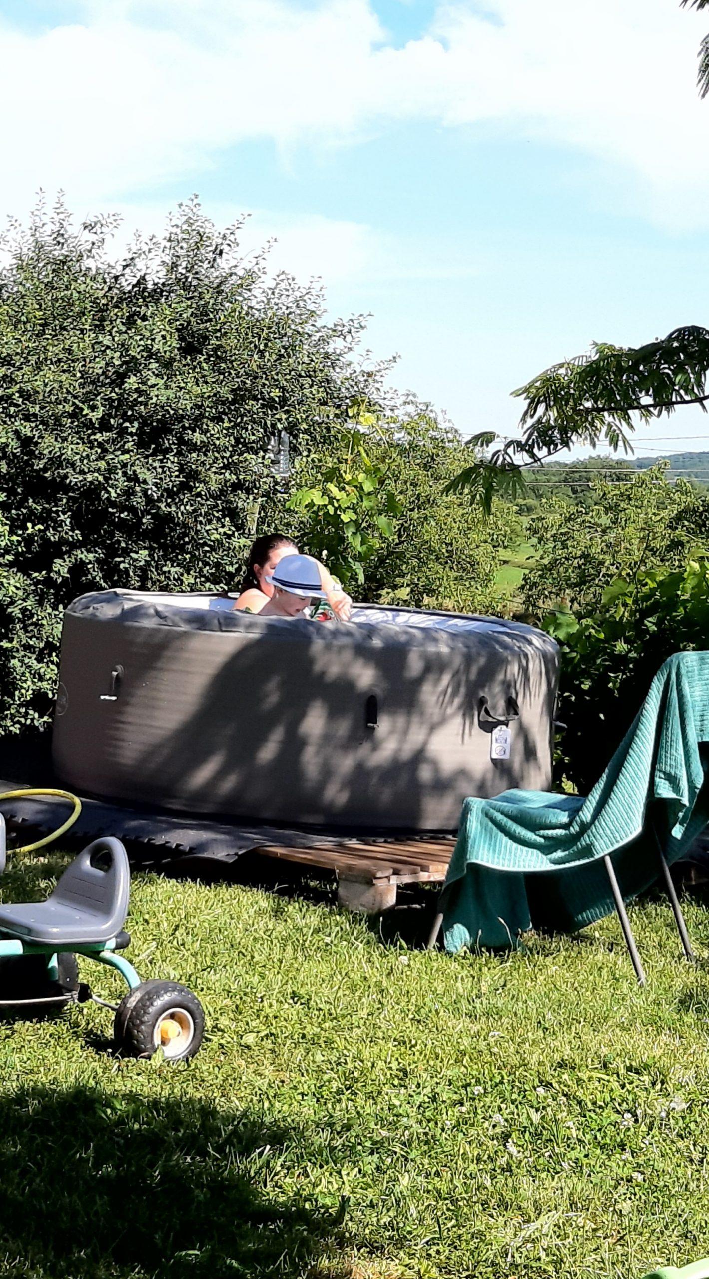 Cet été vous pourrez profiter du SPA pour vous détendre et bien profiter du calme de la campagne Quercynoise